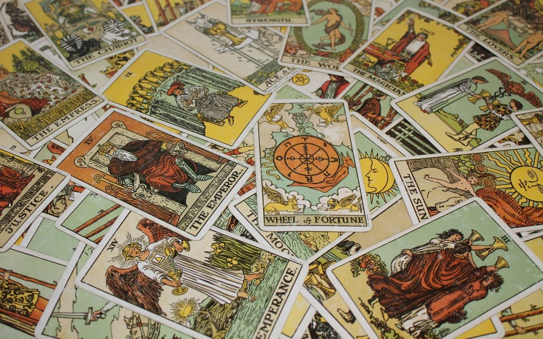 What Is The Difference Between Tarot Cards and Oracle Cards?